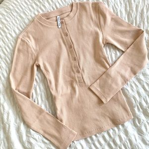 NWOT Ribbed Button Top